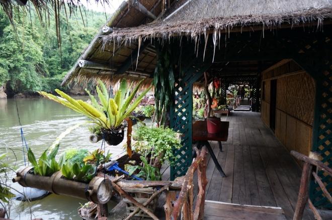 Thailand, Jungle Rafts resort